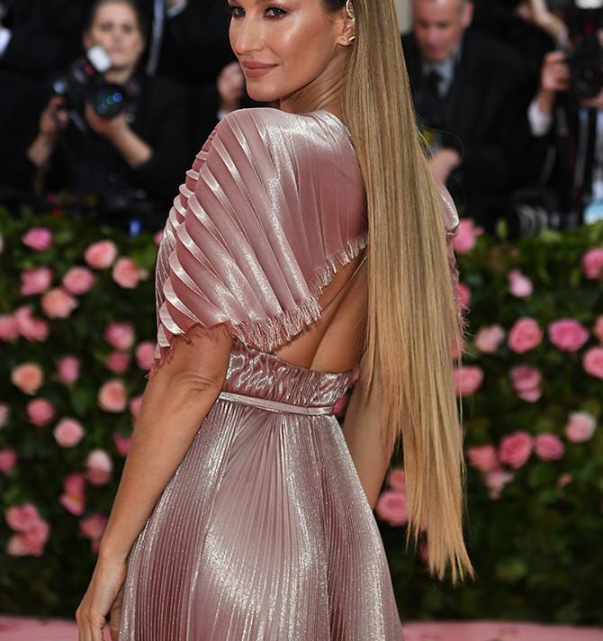 Po uzoru na poznate dame: Hair trendovi '90-ih koji su doživjeli veliki comebck