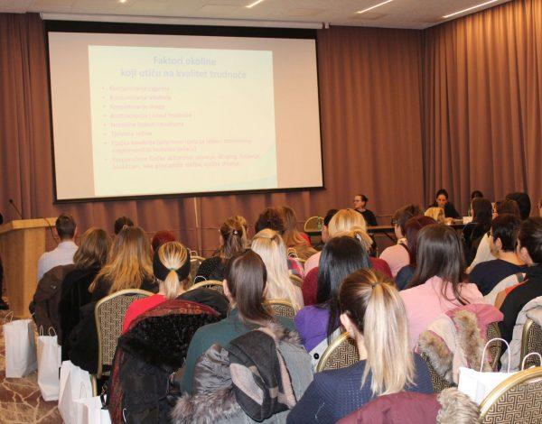 Edukativno druženje s trudnicama u Sarajevu okupilo veliki broj učesnica