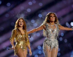 E, ovo je show: Nastup J. Lo i Shakire u poluvremenu Super Bowla oduševio je sve!