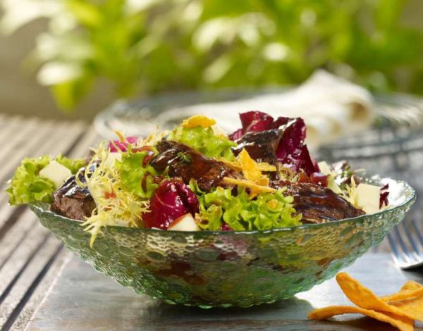 BBQ salata s junetinom