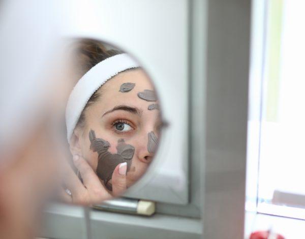 5 kućnih tretmana: Protiv tamnih mrlja, bora i grube kože te za gustu i zdravu kosu