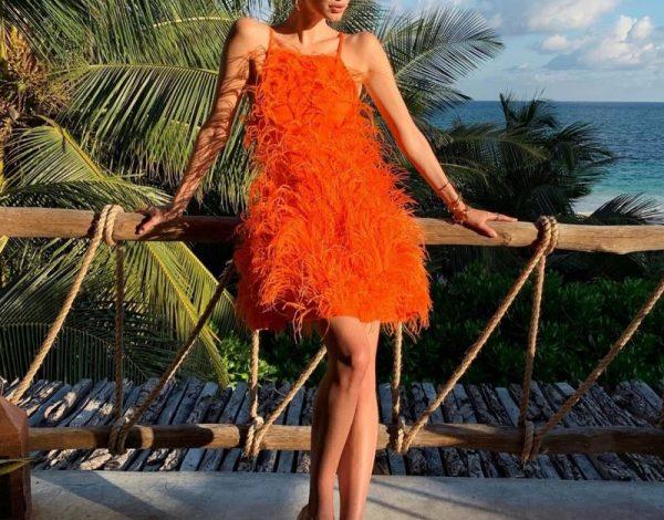 Haljina s perjem biće hit ovog ljeta…