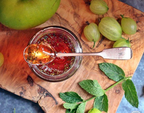 Pekmez od jabuka, đumbira i mente