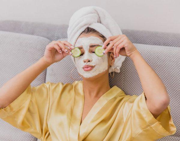 Nakon kućne izolacije: Maske za lice koje će vratiti svježinu i zdravi sjaj