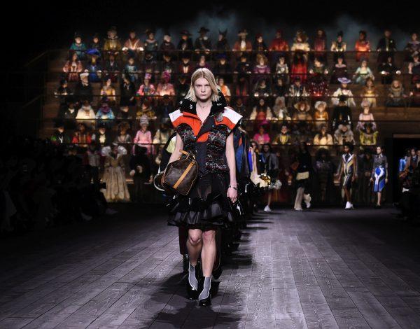 Paris Fashion Week biće održan posredstvom Interneta!