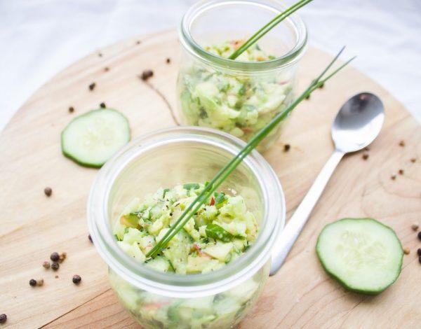Osvježavajuća salata s jabukom