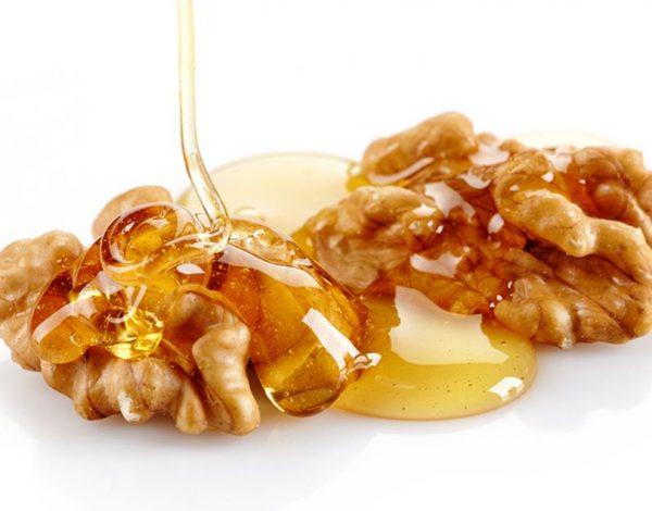 Med i orasi – ukusna kombinacija za zdraviji organizam