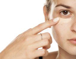Uz ovaj trik puder na vašem licu izgledaće baš prirodno!