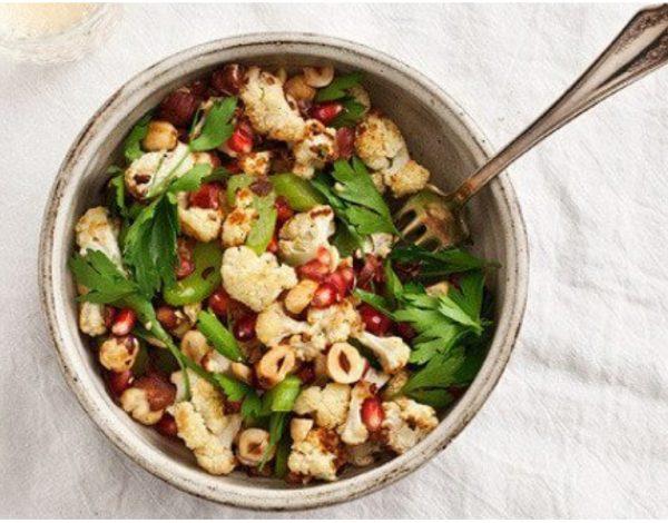 Neobična salata s karfiolom i lješnicima