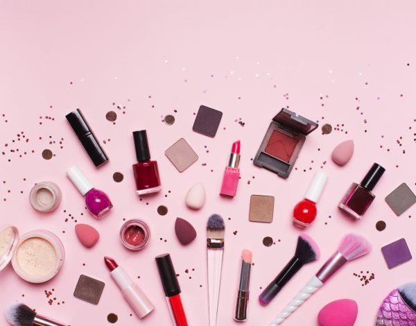 Šminka se treba čistiti barem jednom sedmično, a evo i kako da to uradite