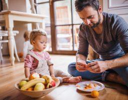 Roditelji oprez: Ove namirnice ne smijete davati svojim mališanima