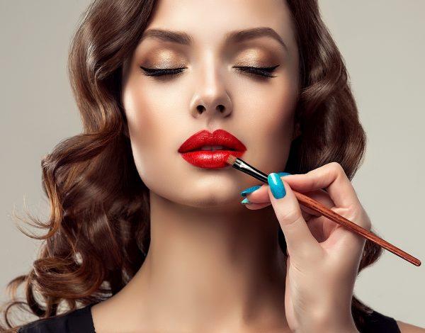 5 koraka za savršeno nanošenje ruža na usne