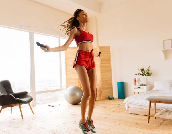 Trening koji možete raditi kod kuće – preskačite konopac!