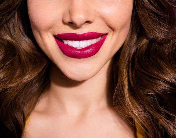 Ove nijanse ruža za usne učiniće vaše zube blistavijima