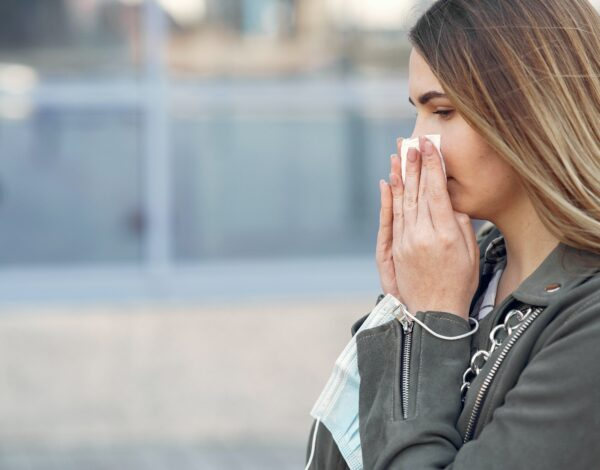 covid-19 ili sezonska alergija